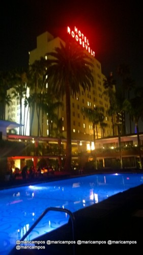 "O bar na ""piscina da Marylin"" no The Roosevelt"